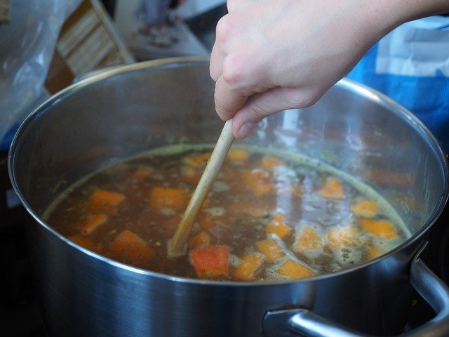 Bone Broth – An Old Fashioned Secret to Fight Osteoarthritis